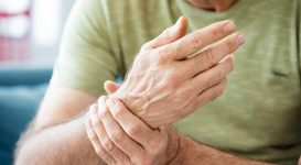 Three Ways to Manage Arthritis in the Hands Symptoms